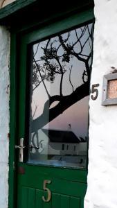 cot 5 door reflection cot 4