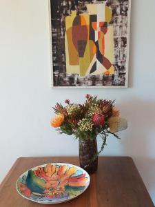 flat 6 dining table