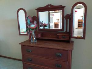 flat 6 dresser