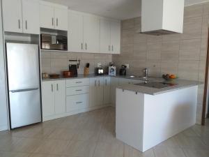 flat 6 kitchen 1