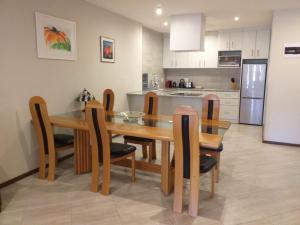 flat 7 kitchen dining