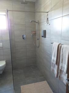 flat 7 shower